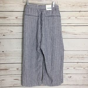 Old Navy cropped funky pants